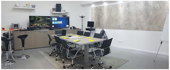 Sala riunioni ezdirect con videoconferenza